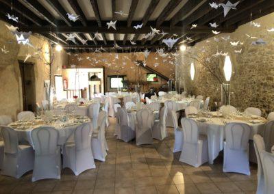 Salle Réception décor blanc gîte Laigné en Belin