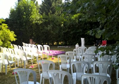 Réception jardin au gite La petite Chauvière Sarthe